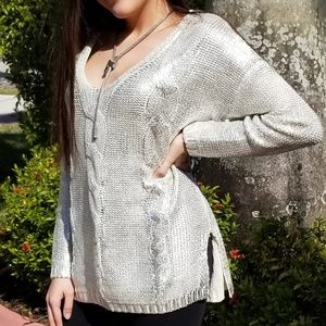 CABLE SILVER FOILED V-NECK SWEATER